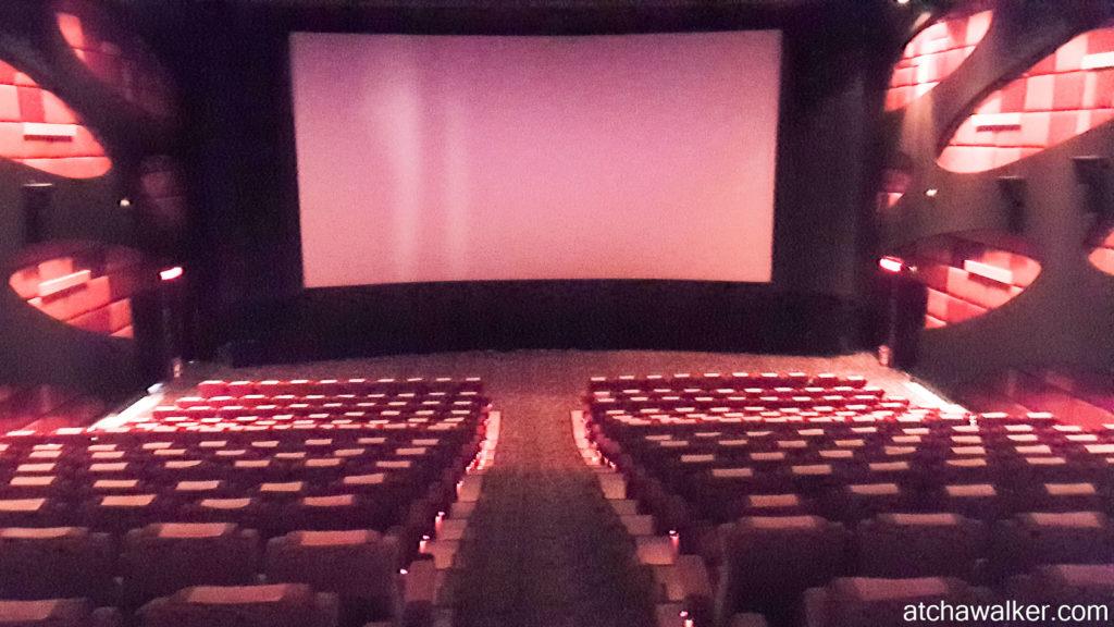 La différence avec la France: 3€ le ciné !- MBK Center - Bangkok
