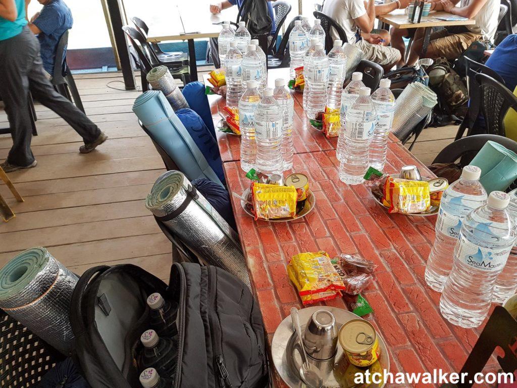 Le paquetage pour les deux jours du trek - Taman Negara - Malaisie